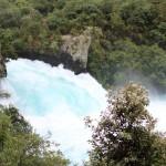 ニュージーランドで最も有名な滝 圧巻の水の流れは必見!